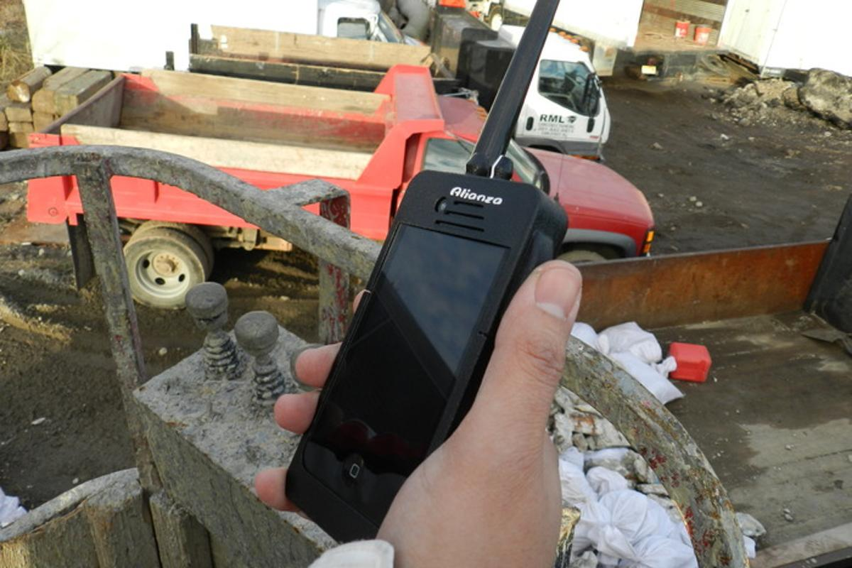 The Alianza DxB turns a smartphone into a multi-band walkie-talkie