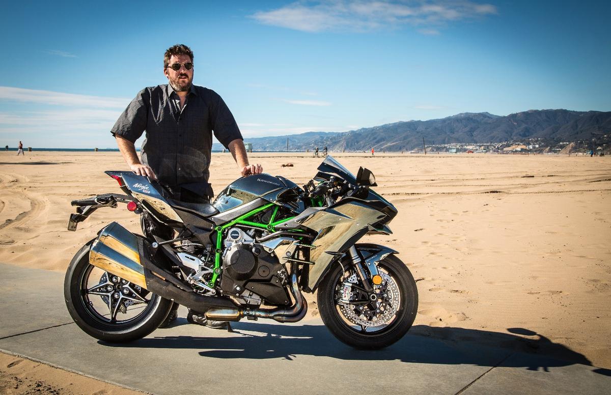 Loz gets intimate with the Kawasaki H2 on Malibu beach, California