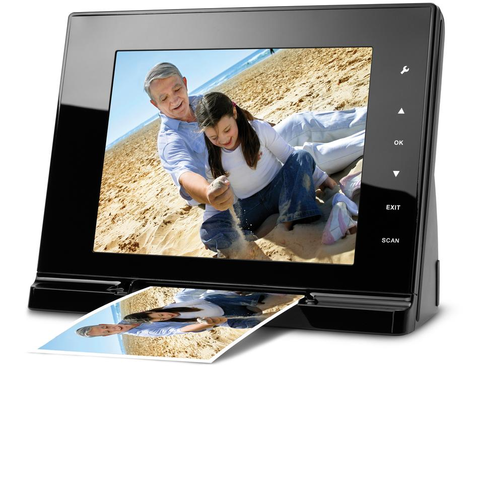 The JOBO ScanViewer digital photo frame with in-built scanner