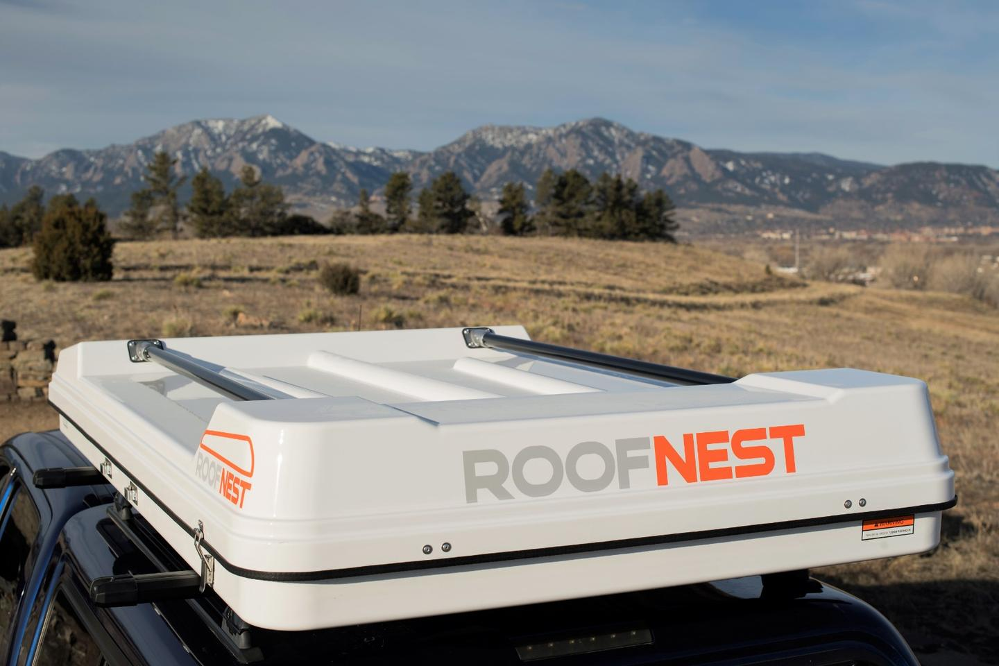 Roofnest's latest hardshell tent, the Sandpiper includes built-in rails so that you don't lose the gear-hauling potential of your roof