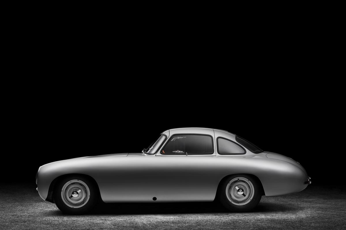 The 1952 300 SL returned to its original condition