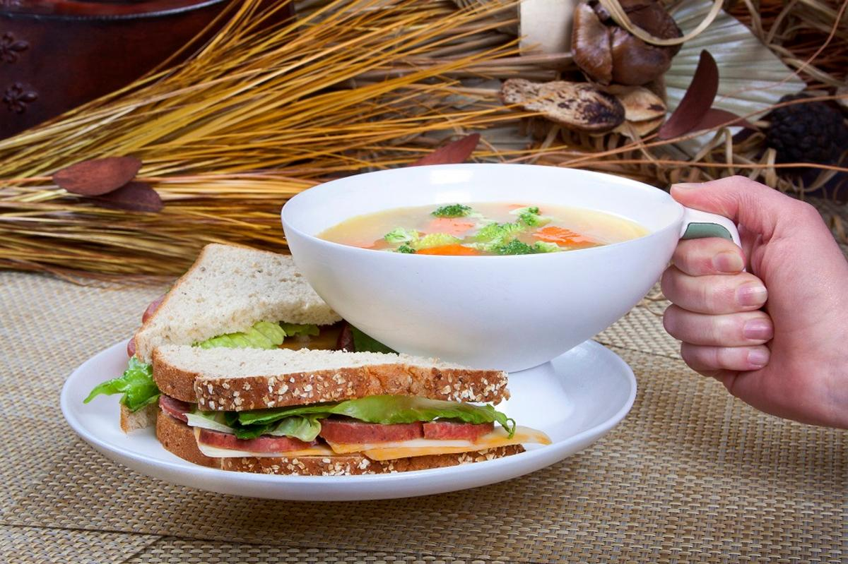 The Ripple means holding a bowl of soup and a plate of sandwiches is now a whole lot easier