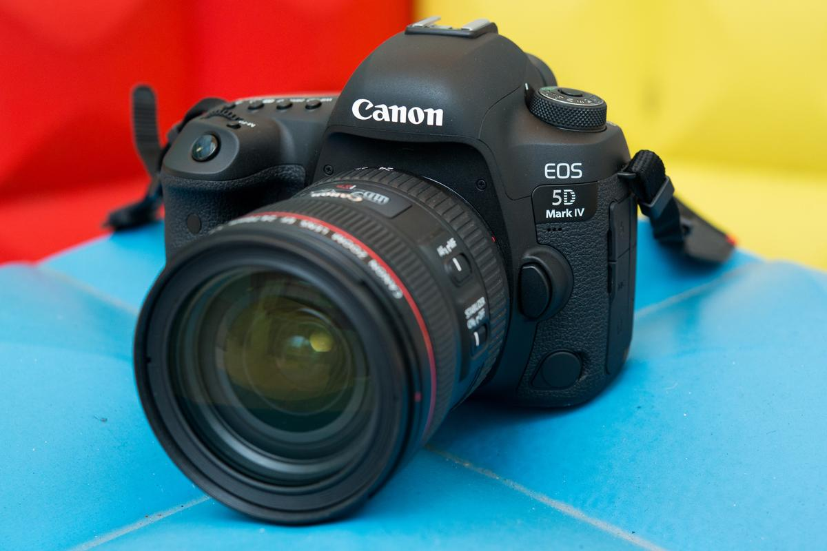 New Atlas goes hands-on with the Canon EOS 5D Mark IV DSLR