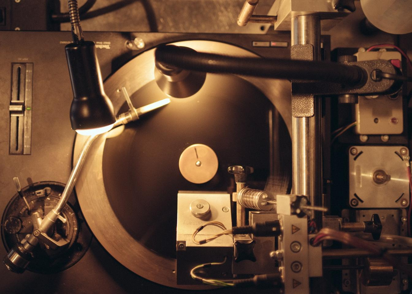 The Vinylify cutting machine getting its groove on