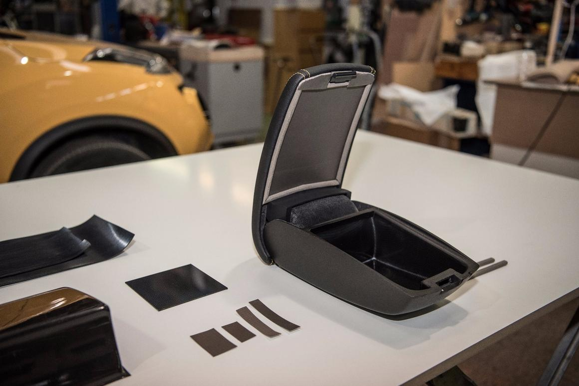 Nissan concept puts Faraday Cage in an armrest for