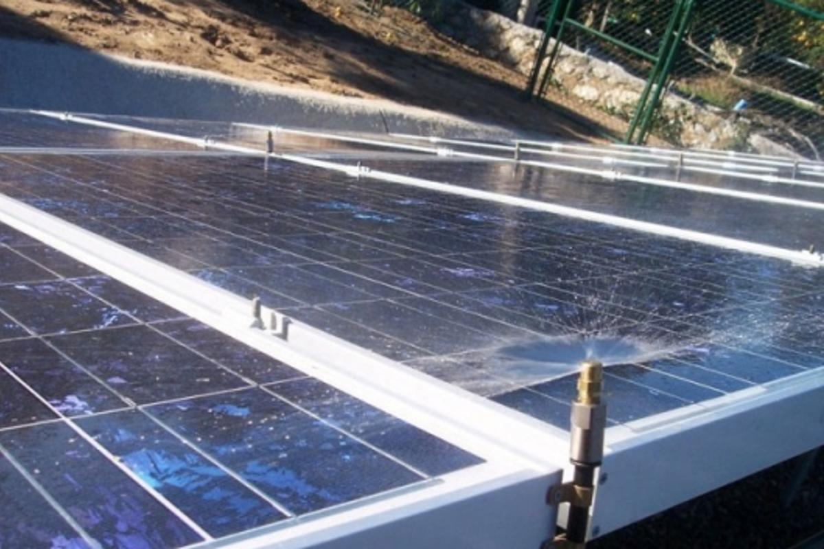 Heliotex solar panel wash system