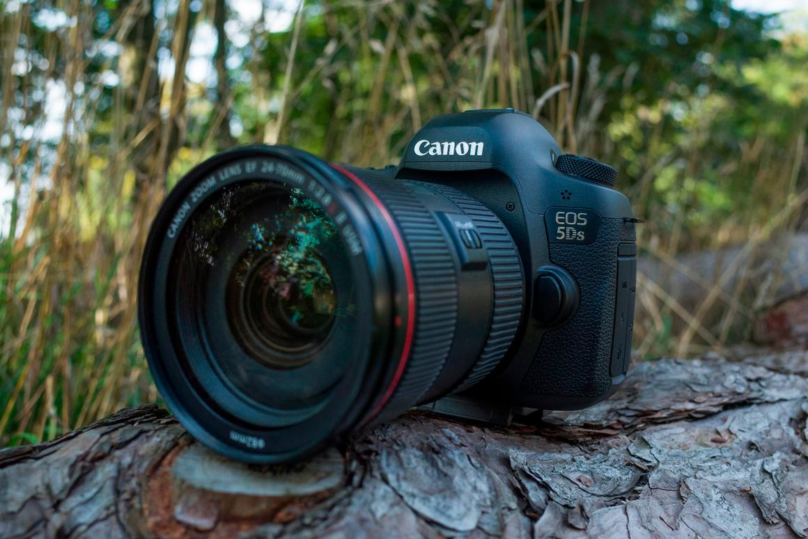 Gizmag reviews the 50-megapixel Canon 5Ds full frame DSLR
