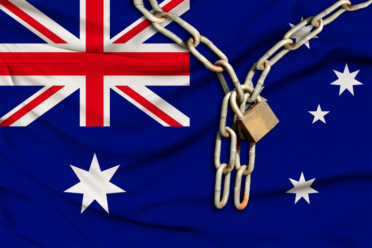 Facebook bans all Australian news media sharing