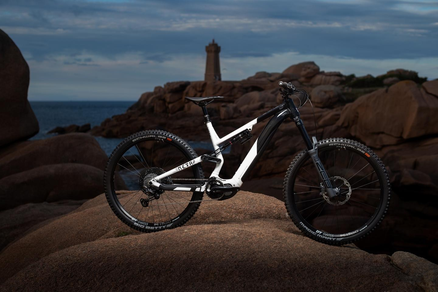 The 2021 Commencal Meta Power ebike features the new Shimano EP8 motor