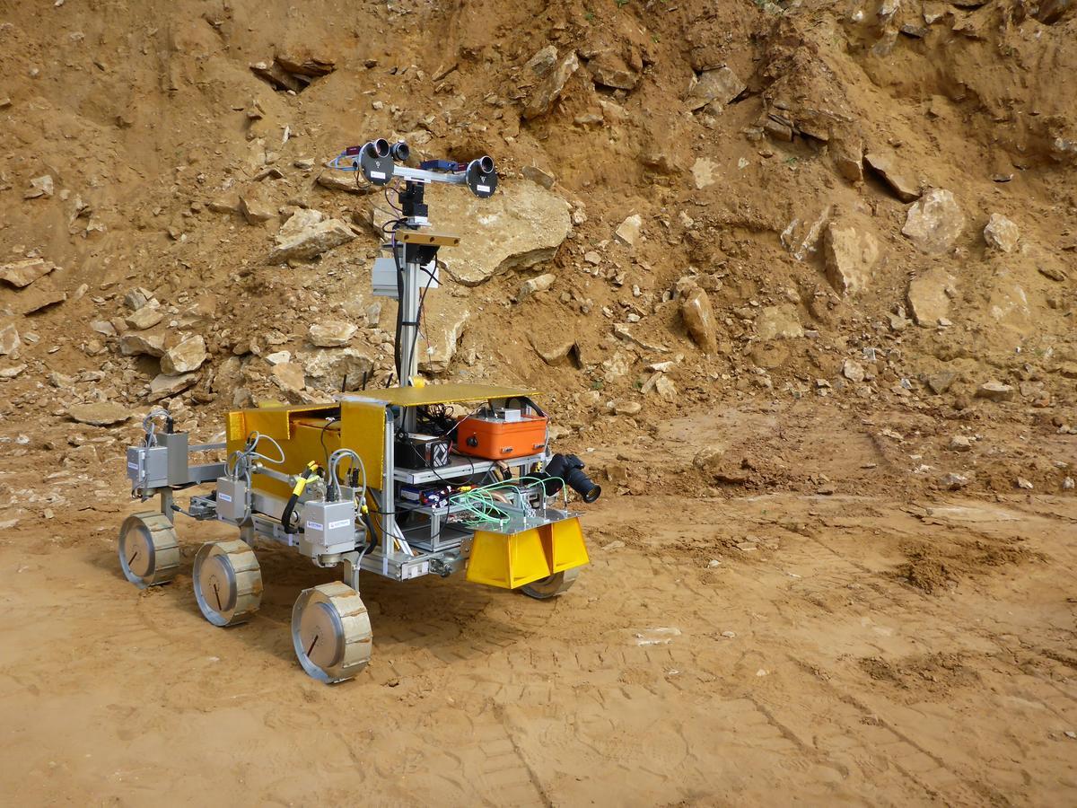SAFER field test rover (Image: ESA, Michel van Winnendael)