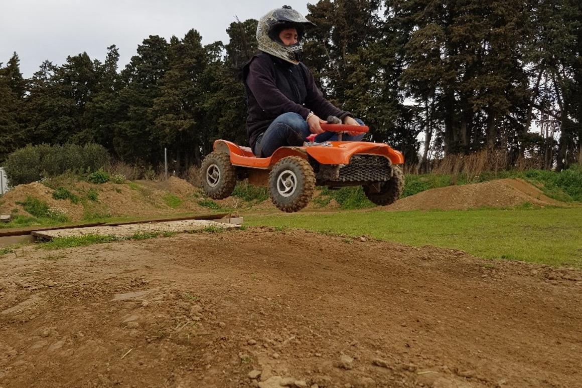 Flying over dirt, the electric French Kart