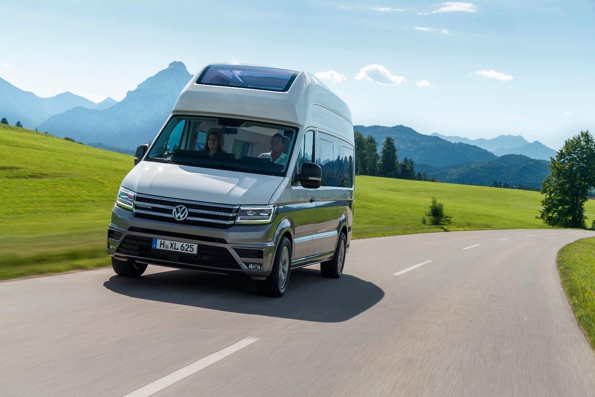 VW California Xxl >> Volkswagen Makes Van Life Bigger With Production California