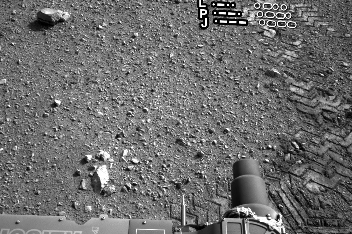 "Curiosity's track marks spelling out ""JPL"" in Morse code (Image: NASA/JPL-Caltech)"