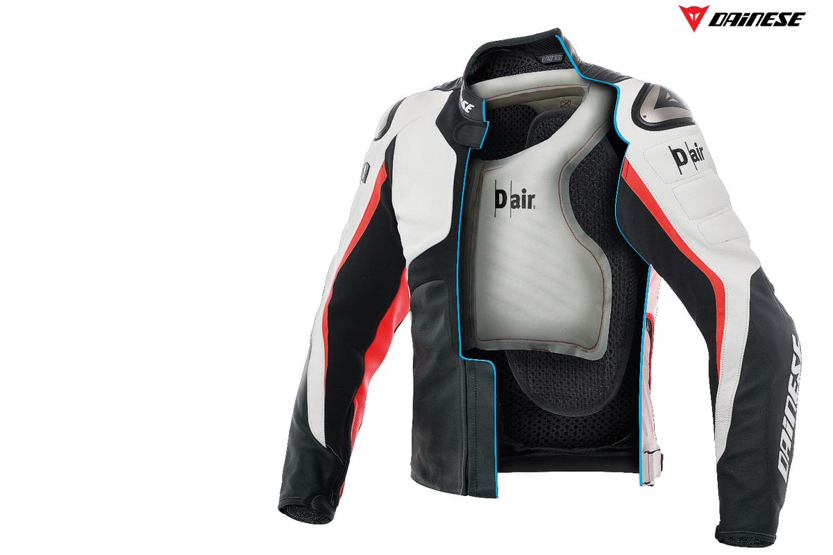 Misano 1000 airbag jacket: Six sensors contained in the back-protector monitor the vectors affecting the body of the rider 800 times a second