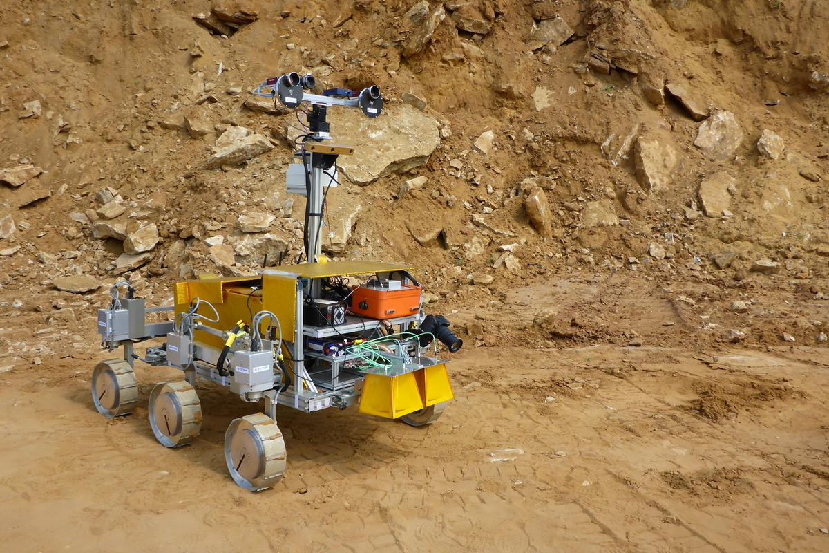 SAFER field test rover (Image: ESA, Michel van Winnendael)