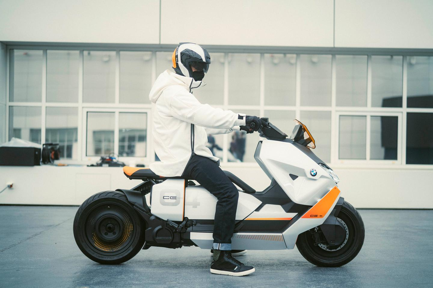 The BMW Motorrad Definition CE 04 - the final step between BMW's Concept Link and an upcoming production electric scooter