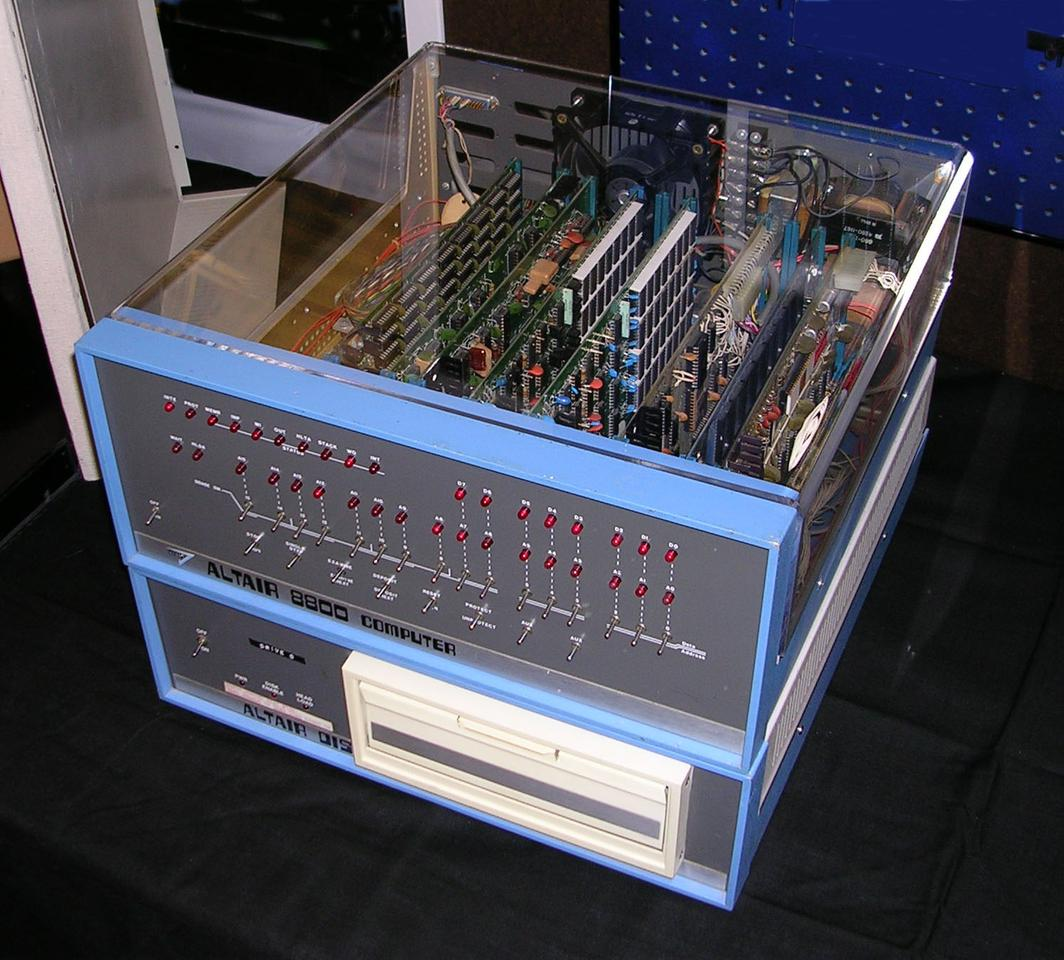 An original Altair 8800 with cover replaced with Plexiglas to reveal the circuit boards (Photo: Swtpc6800/Wikipedia)