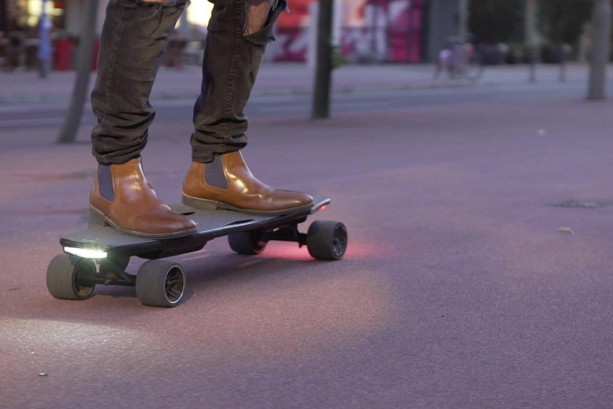 The StarkBoard remote-free electric skateboard is currently raising production funds on Indiegogo