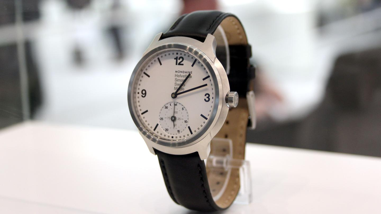Mondaine's new watch offers undercover activity tracking (Image: Chris Wood/Gizmag)