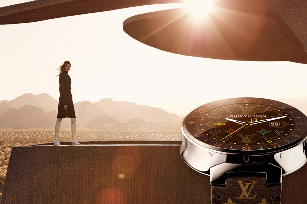 Louis Vuitton's Tambour Horizon smartwatch features a couple of exclusive apps that seem aimed at folks who travel in style