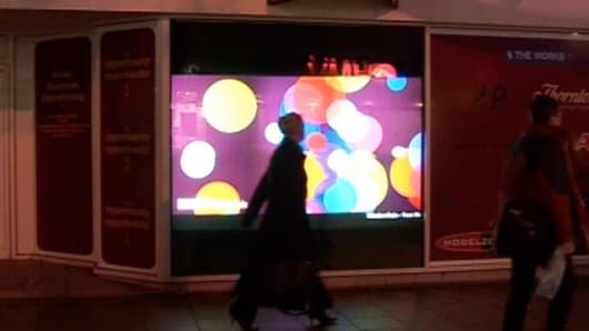 The Vikuiti Rear Projection Film in action