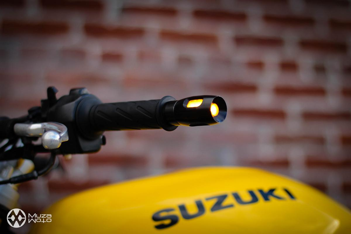 MuzaMoto has created some stylish motorcycle turn indicators that are installed at the end of the handlebar
