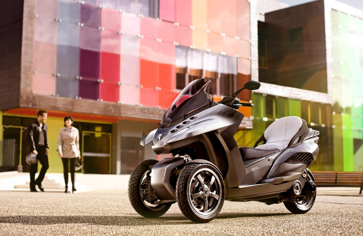 The Hybrid3 Evolution has a 300cm3 supercharged rear wheel engine and two front wheel electric motors