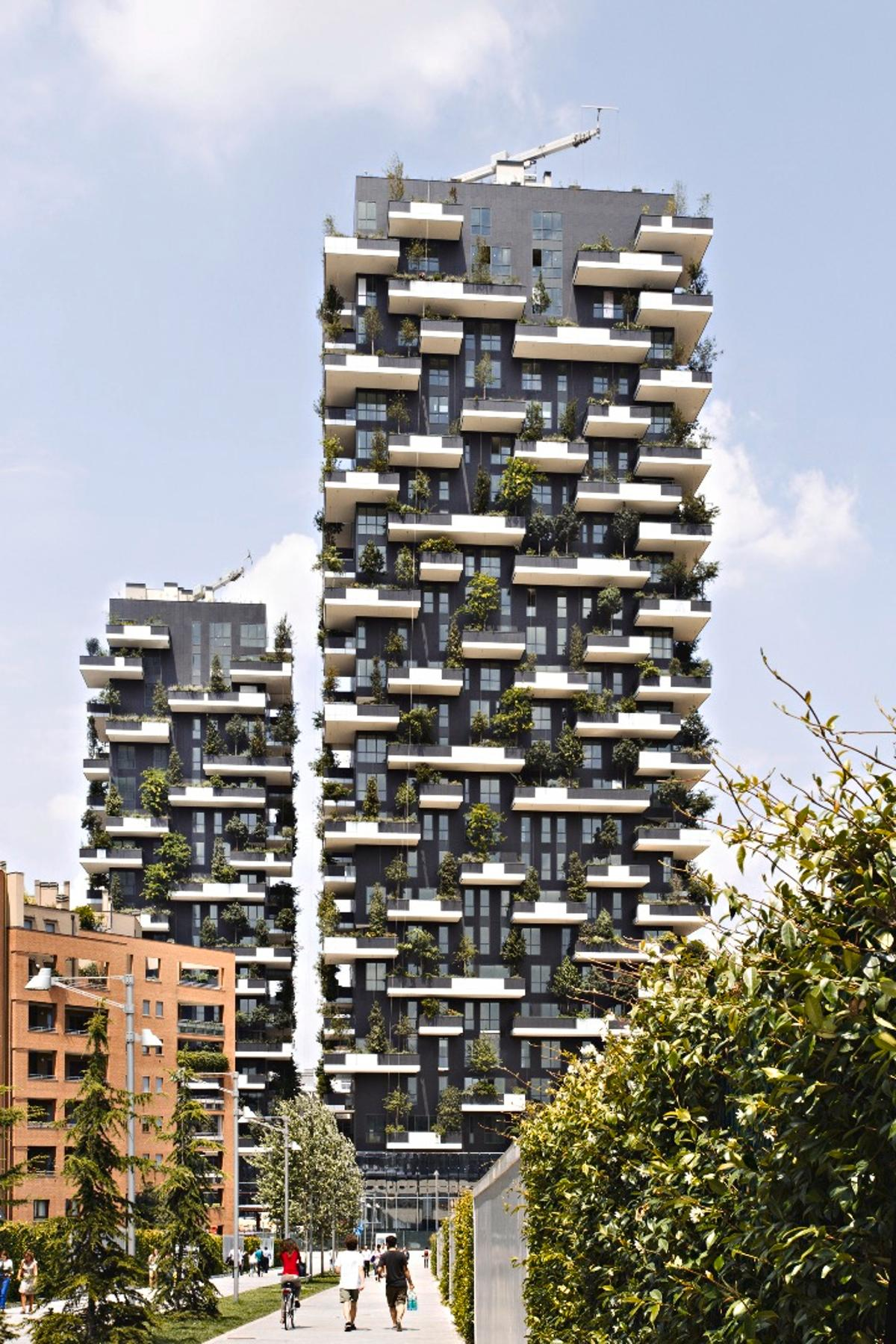 The Milan-based project comprises two greenery-clad residential towers rising to a height of 382 ft (116 m) and 279 ft (85 m), respectively