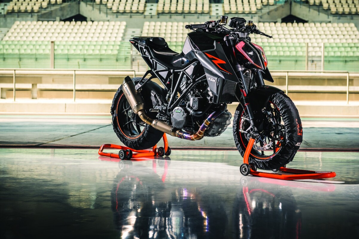 2017 KTM Super Duke 1290 R: an early upgrade to the baddest naked bike on the planet