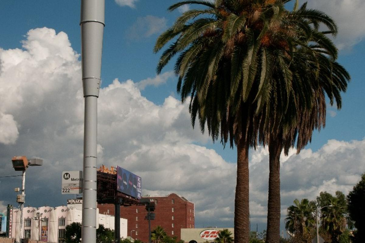 A total of 100 SmartPoles will be rolled out in LA