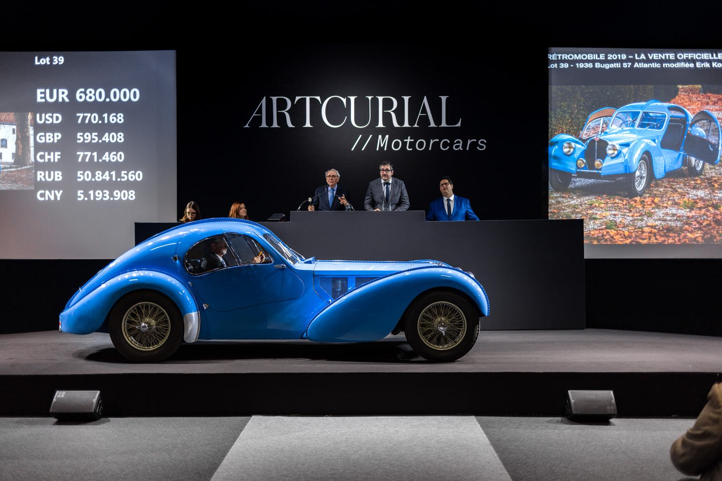 Highlights from the record-breaking 2019 Retromobile car