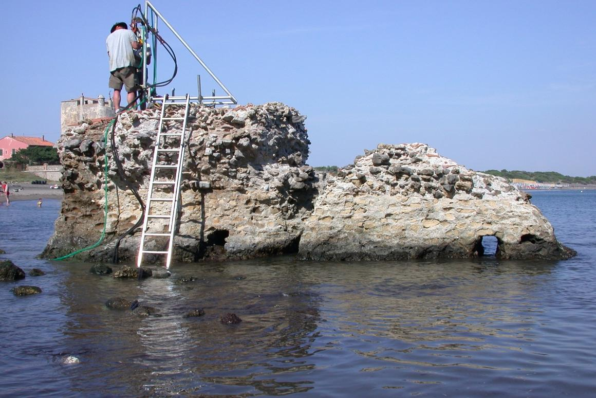 An ancient Roman pier is still standing in a bay in Italy, and researchers have studied samples of the concrete to explore the secrets of its long-lasting strength