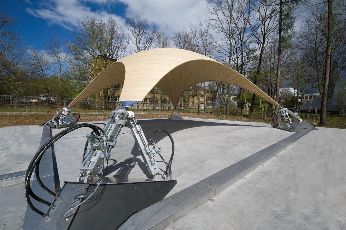 SmartShell is a wooden structure that uses hydraulic drives to compensate for structural loads (Photo: Bosch Rexroth)