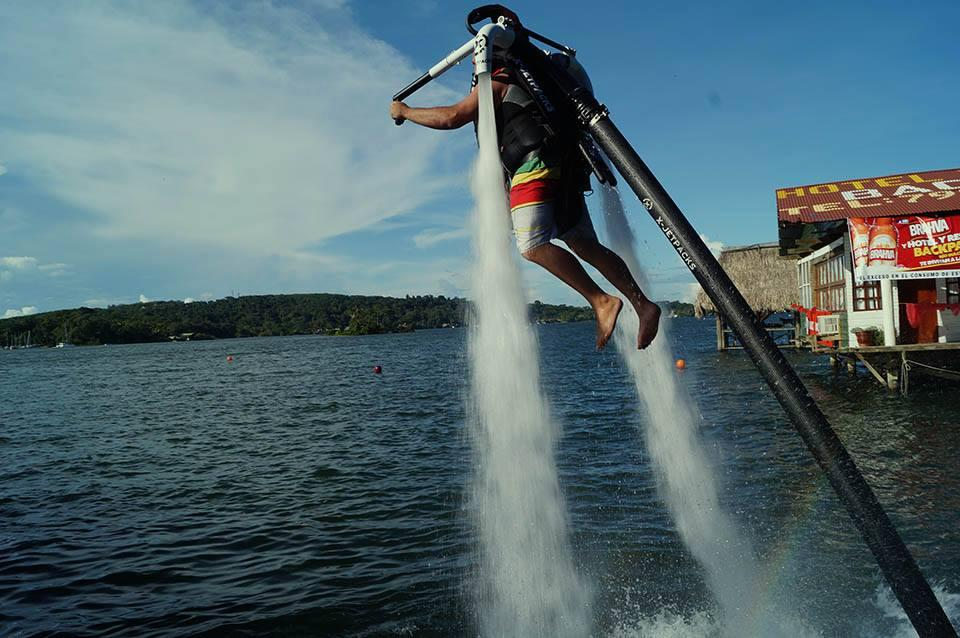X-Jetpacks claims that its H3X offers a few advantages over the competition, including tighter jet streams of water