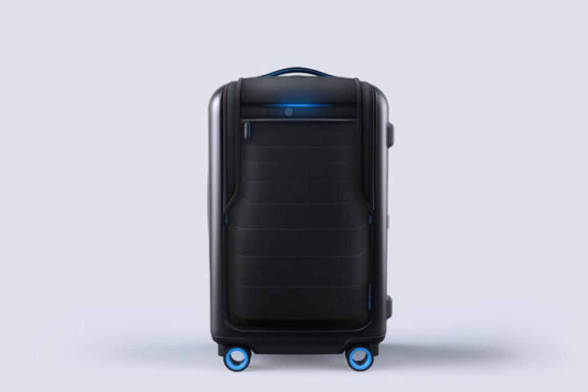 The Bluesmart smart carry on brings a wealth of technology features into the world of luggage (Photo: Bluesmart)