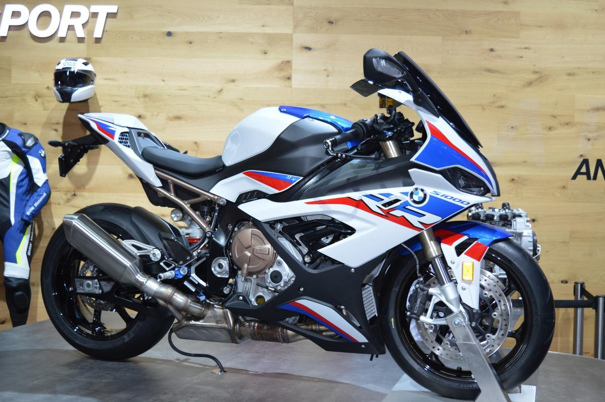 2019 BMW S1000RR: on display at EICMA