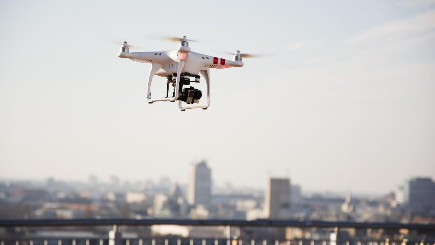 DJI will build helicopter and aircraft detectors intonew consumer drones from next year