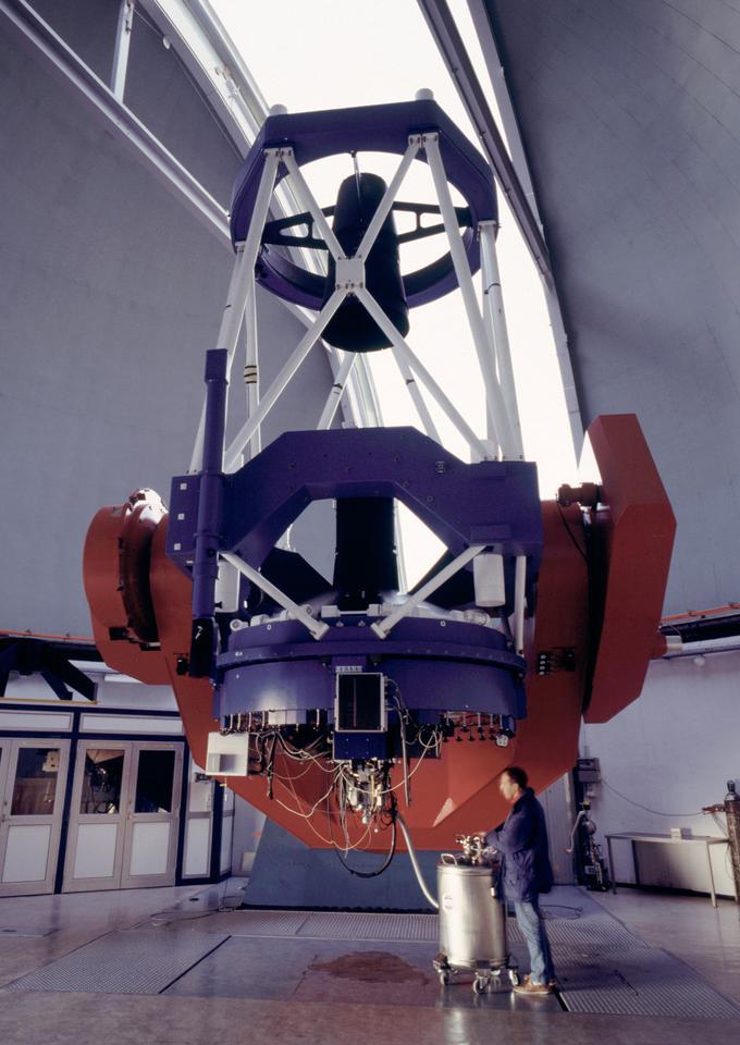 The 2.2 m ESO/MPG telescope at ESO's La Silla observatory in Chile (Credit: ESO/H.H.Heyer)