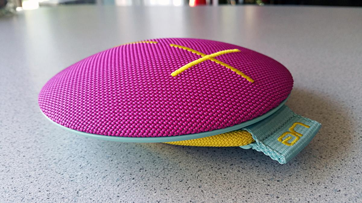 Gizmag reviews the latest Ultimate Ears Roll waterproof Bluetooth speaker