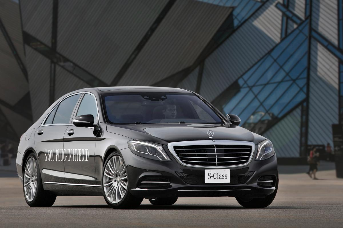 The S 500 Plug-In Hybrid has a 3.0-liter turbo V6 and 107-hp electric motor
