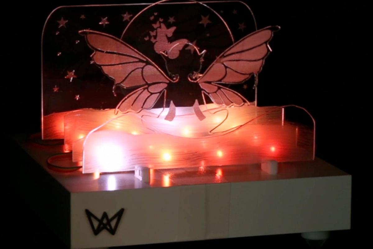 Frank Cohen's Waves Bluetooth speaker and custom light show