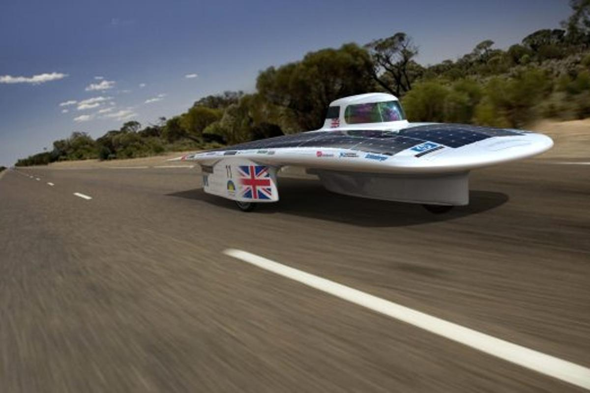 Gearing up for the 2011 World Solar Challenge (Image: Cambridge University Eco Racing)