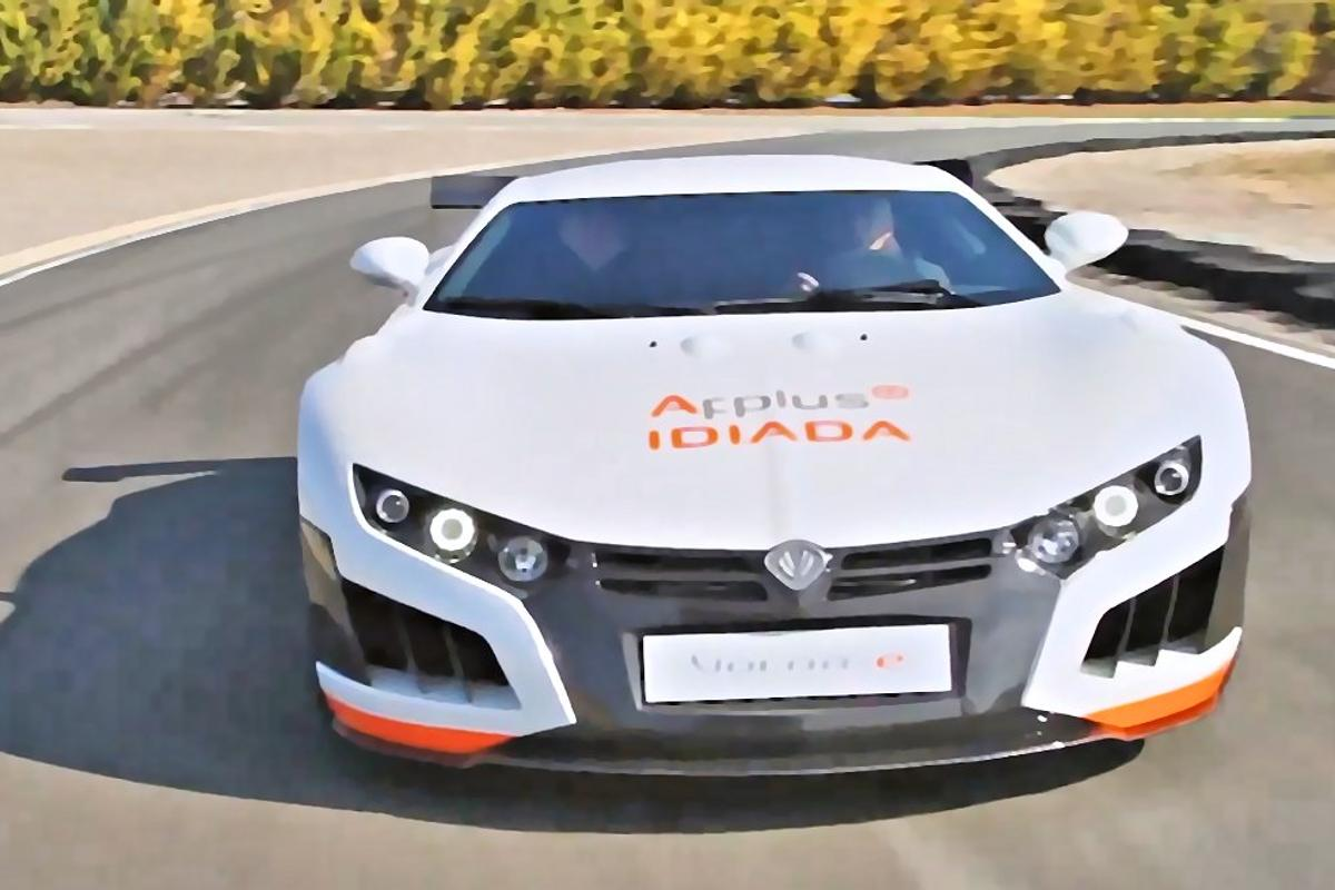 The all-electric Volar-e makes 0-100 km/h (0-62 mph) acceleration of 3.4 seconds