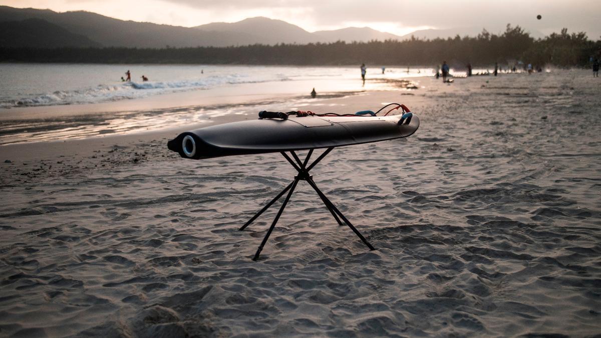 The carbon fiber-bodied Blea Shark Sport