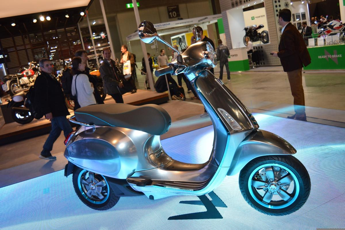 The Vespa Elettrica electric scooter will go into production in the second half of 2017
