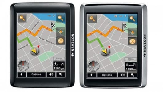 The 24 series personal navigation systems from Navigon guide the user in the car and on foot(Image: Navigon)