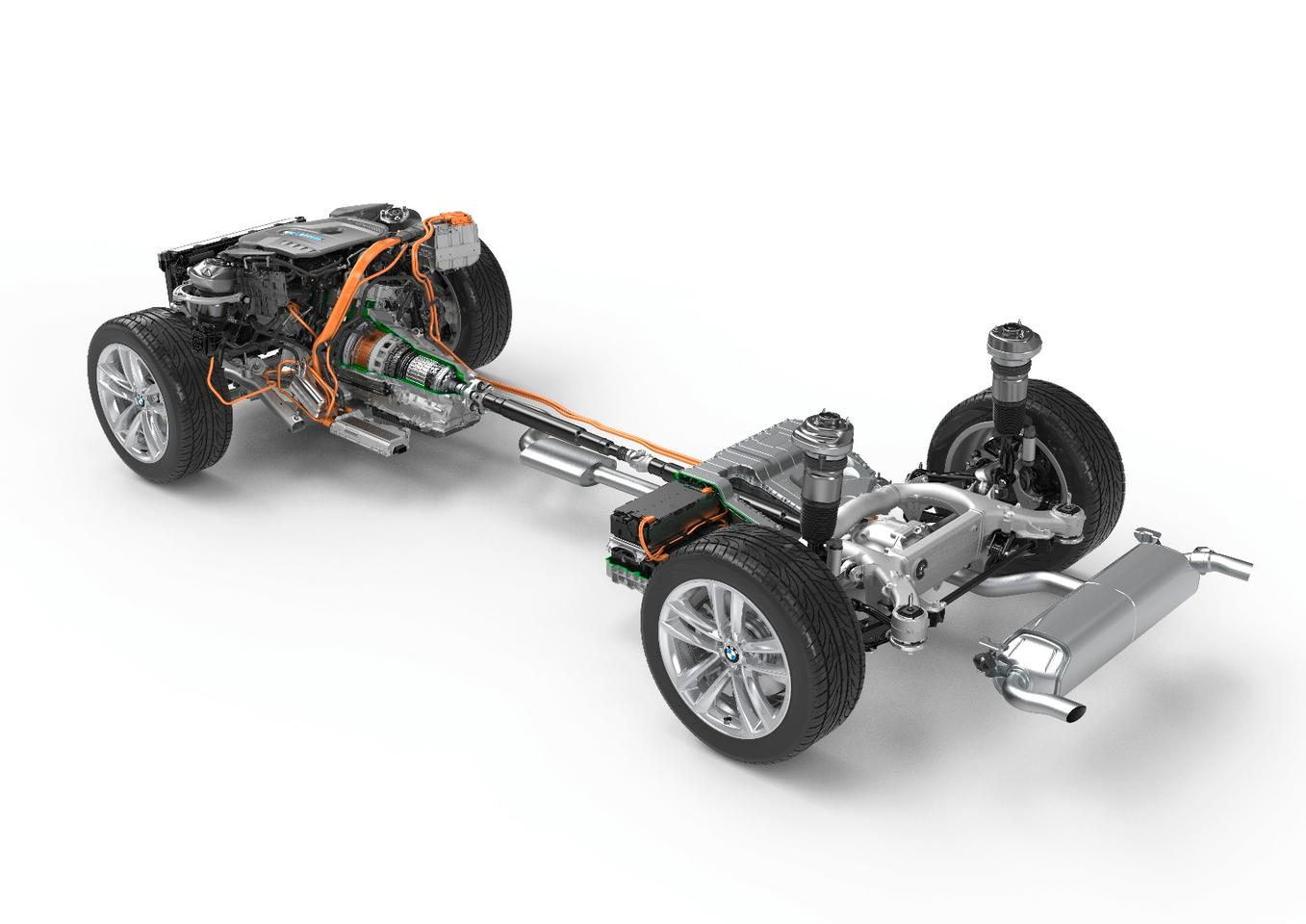 Power electronics and batteries are positioned to allow maximum interior space with the 740e's trunk space being equal to that in the standard 7 Series sedan
