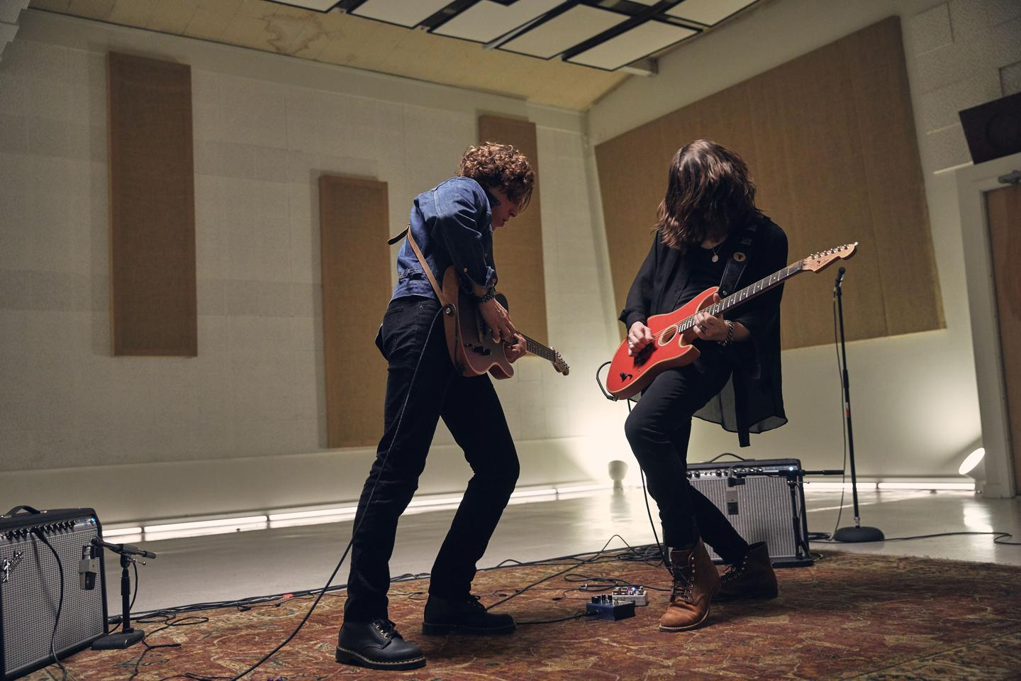 Tyler Bryant and the Acoustasonic Stratocaster go head-to-head with Daniel Donato and his Acoustasonic Telecaster