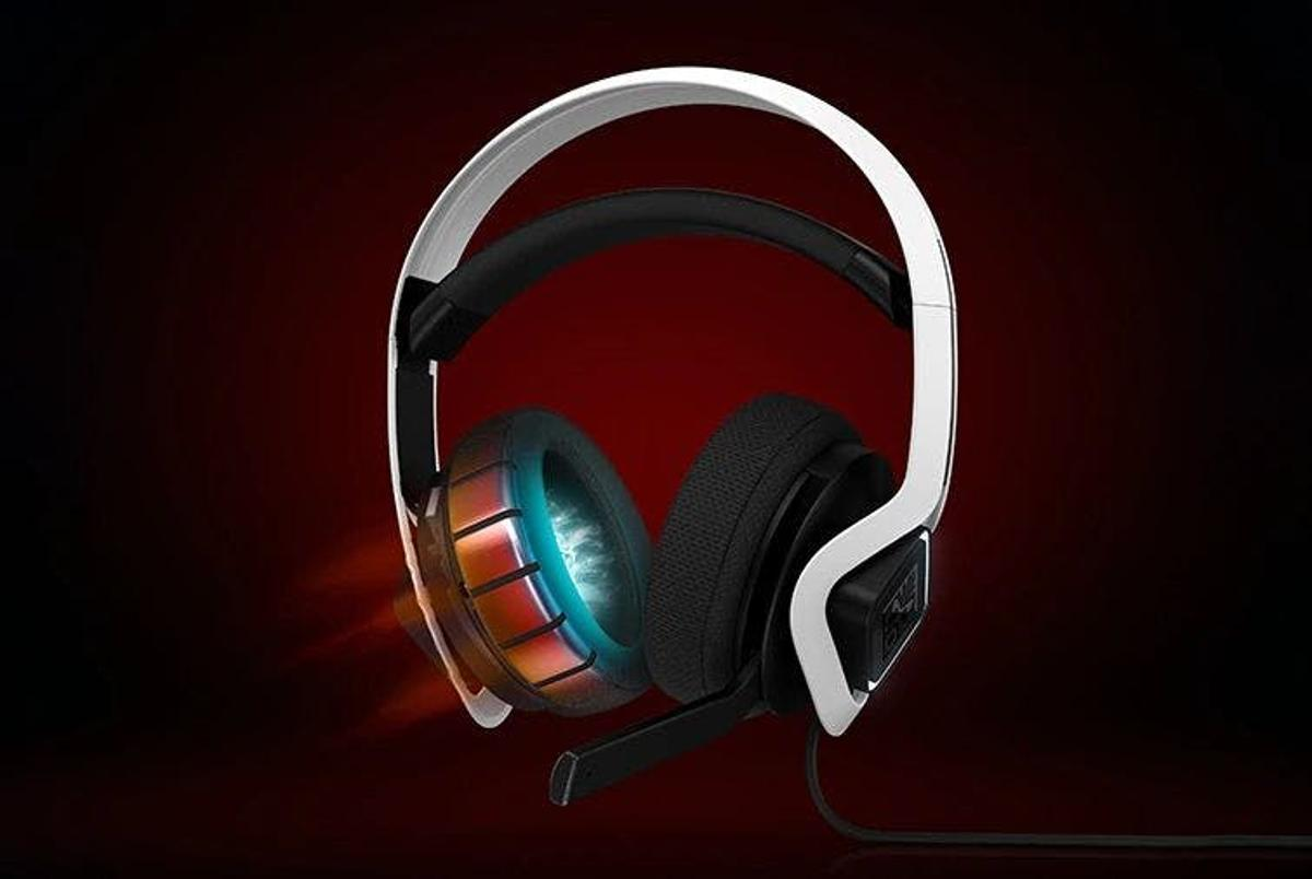 The Omen Mindframe Prime headphones incorporate both active and passive cooling technologies