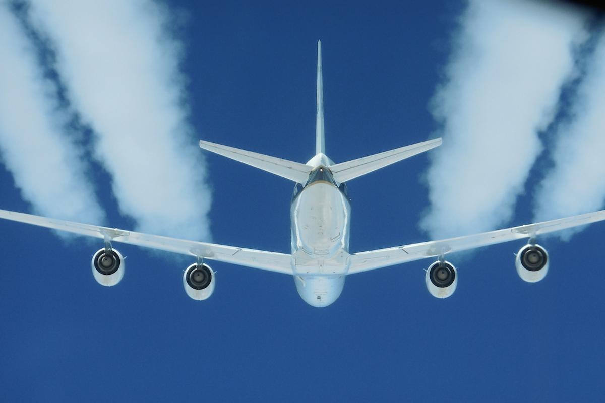 A NASA study has found that aircraft powered by biofuel blends can cut particle emissions by 50 to 70 percent and reduce contrails forming